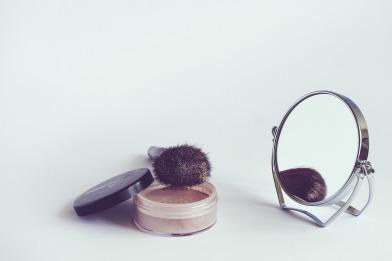 cosmetics-1543271_1920